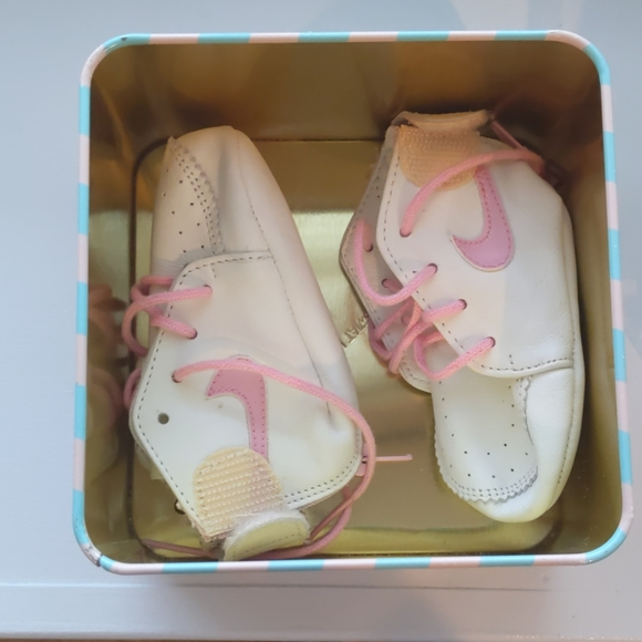 Vintage 98s Nike Baby Girl Crib Shoes